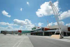 Aeroporto de Aracaju passa por desinfecção geral nesta segunda