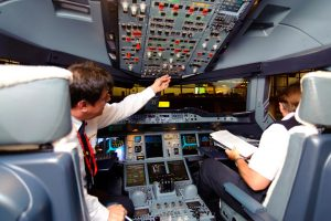 Precisa-se de comandantes, instrutores e examinadores de ATR