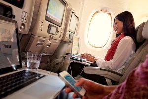 Emirates amplia oferta gratuita de Wi-Fi a bordo