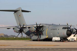 Alemanha recebe o primeiro avião Airbus A400M estândar, de transporte militar tático