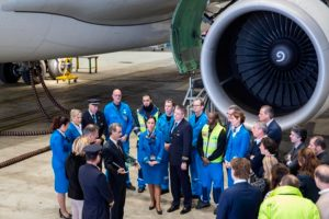 """KLM recebe o prêmio Flightstats de companhia aérea mais pontual do mundo em 2016 na categoria """"network"""""""