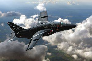 Leonardo: contrato com o Ministério da Defesa da Itália para o novo avião de treinamento M-345 e para o desenvolvimento de um novo helicóptero de exploração e escolta