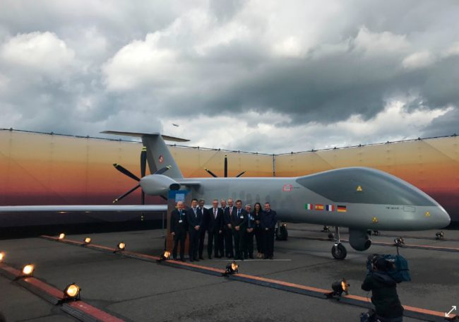Airbus, Dassault Aviation e Leonardo apresentam um modelo em escala real do MALE RPAS europeu