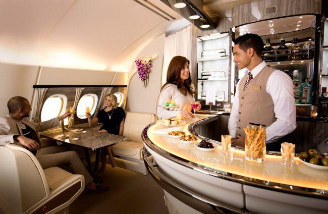 Emirates anuncia melhorias no Onboard Lounge do A380