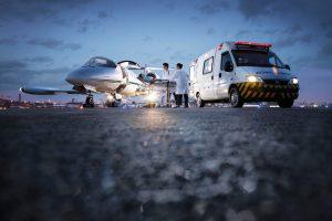 aeronaves e helicópteros que ajudam a salvar vidas