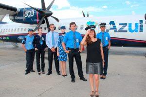 No Dia Internacional da Mulher, Azul celebra marca de companhia brasileira com mais mulheres pilotos