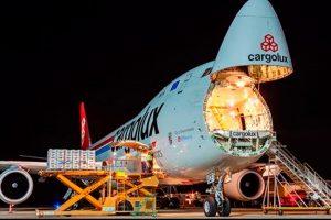 Aeroporto de Petrolina recebepela primeira vez cargueiro B747-8F