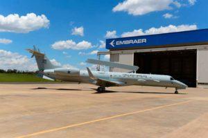 Embraer entrega primeiro jato E-99 modernizado à FAB
