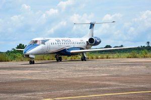 Embraer e Air Peace assinam contrato de serviços e reposição de peças para seis jatos ERJ-145