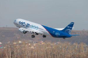 MC-21-300 realiza um voo de 4500 km sem paradas
