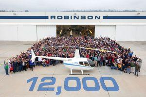 Robinson Helicopter Company entrega o helicóptero nº 12.000
